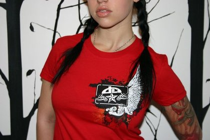 20 DeviantArt T-shirts Designs 11