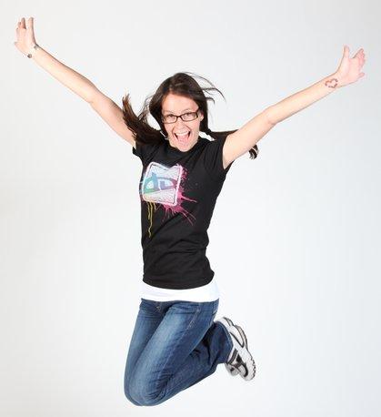 20 DeviantArt T-shirts Designs 16