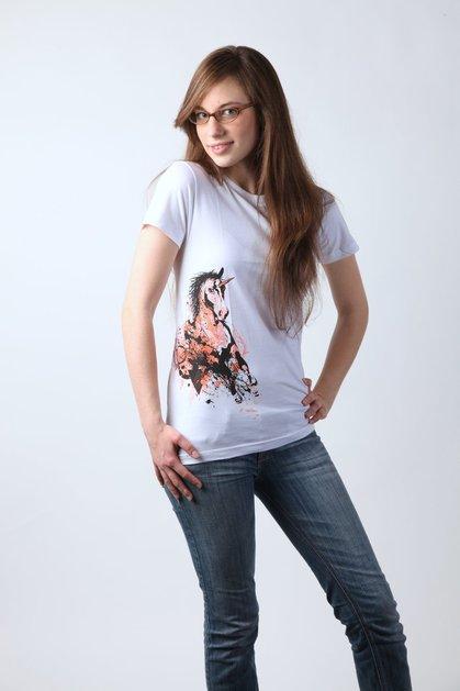 20 DeviantArt T-shirts Designs 2