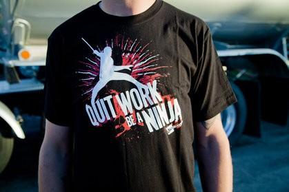 20 DeviantArt T-shirts Designs 7