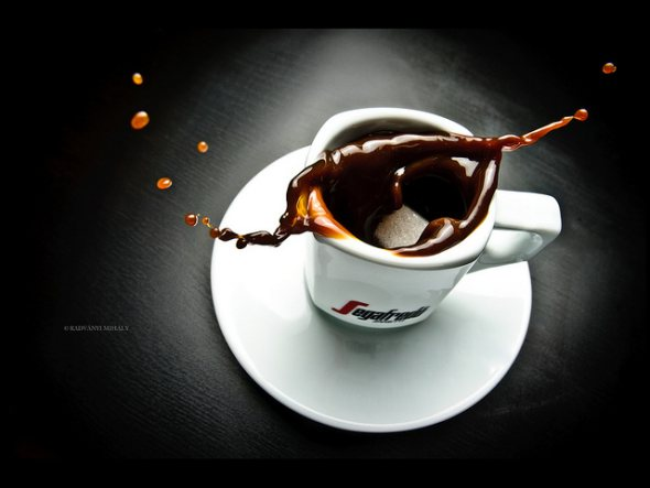 40 Stunning Coffee Splashes Pictures 4