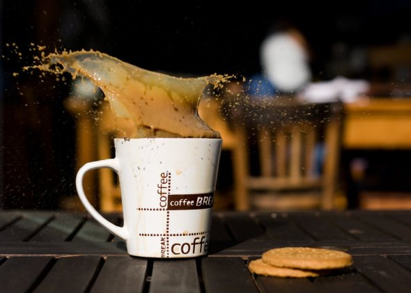 40 Stunning Coffee Splashes Pictures 33