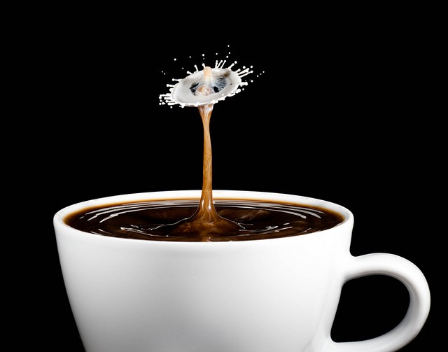 40 Stunning Coffee Splashes Pictures 39