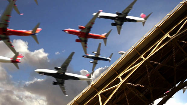 Five Hours of Airplane Landings Captured in 26 Seconds 2