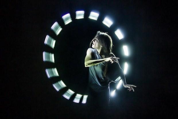 LightSpin-Documentary-Film-Motion-Graphics-Inspiration