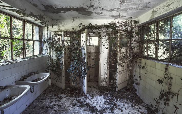 022-Terrible-Photography-of-Abandoned-Places-of-UK