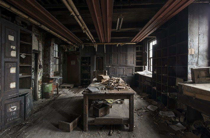 024-Terrible-Photography-of-Abandoned-Places-of-UK