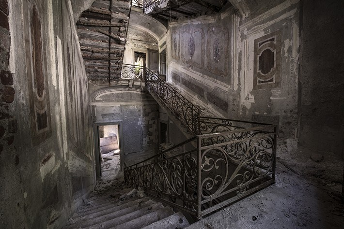 03-Terrible-Photography-of-Abandoned-Places-of-UK