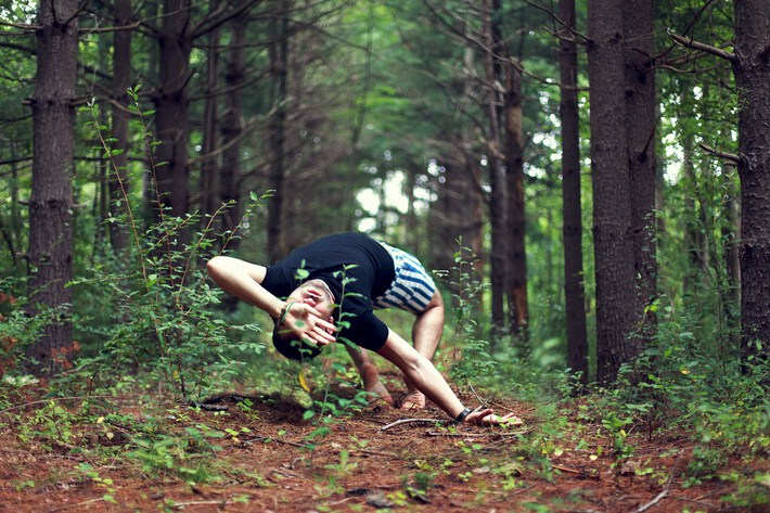 04-Outstanding-Gravity-Flouting-Levitation-Photography
