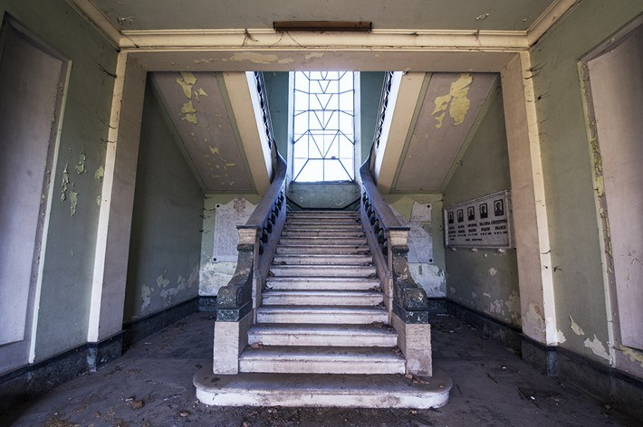 09-Terrible-Photography-of-Abandoned-Places-of-UK