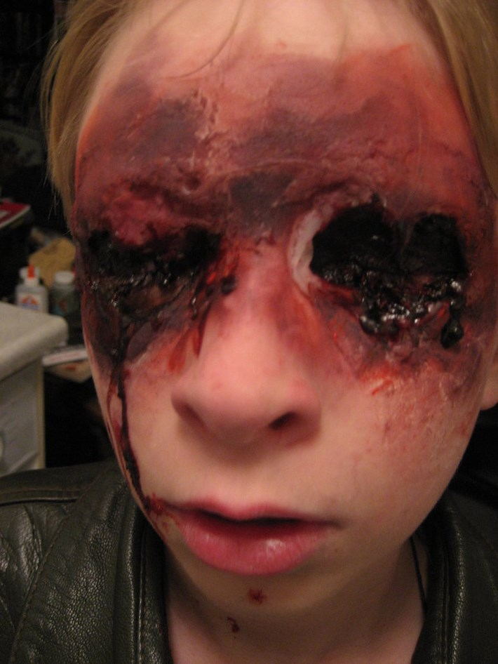 halloween female zombie makeup