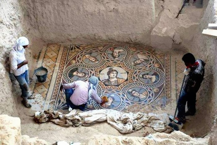 Ancient_Greek_Mosaic_Uncovered_in_Turkish_City_of_Zeugma