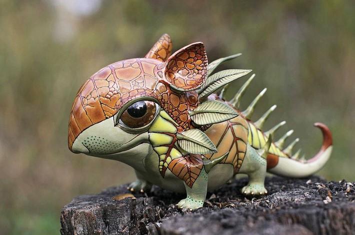 Ukrainian Artist Duo Creates Porcelain Creatures