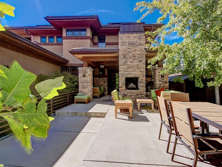 Modern-Sophisticated-House-in-Denver-Area