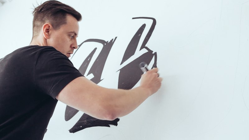 Outstanding-Vitaly-Mural-and-Video
