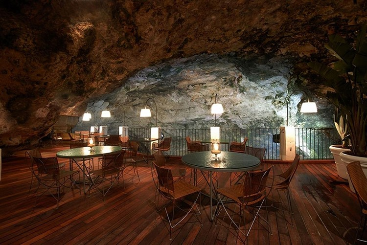 Italian-Cave-Restaurant-with-Awesome-View