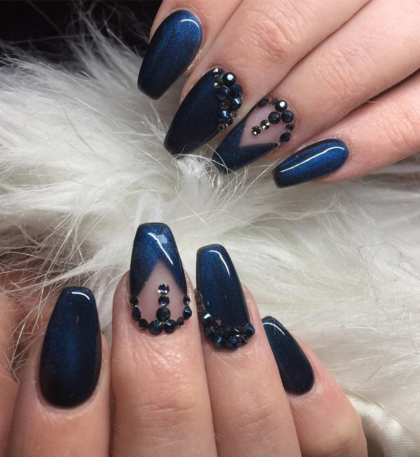 Dark Nails Ideas for Winter