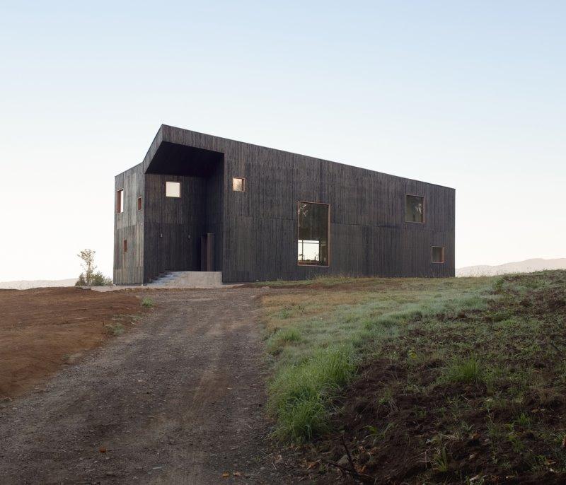Hualle House / Ampuero Yutronic